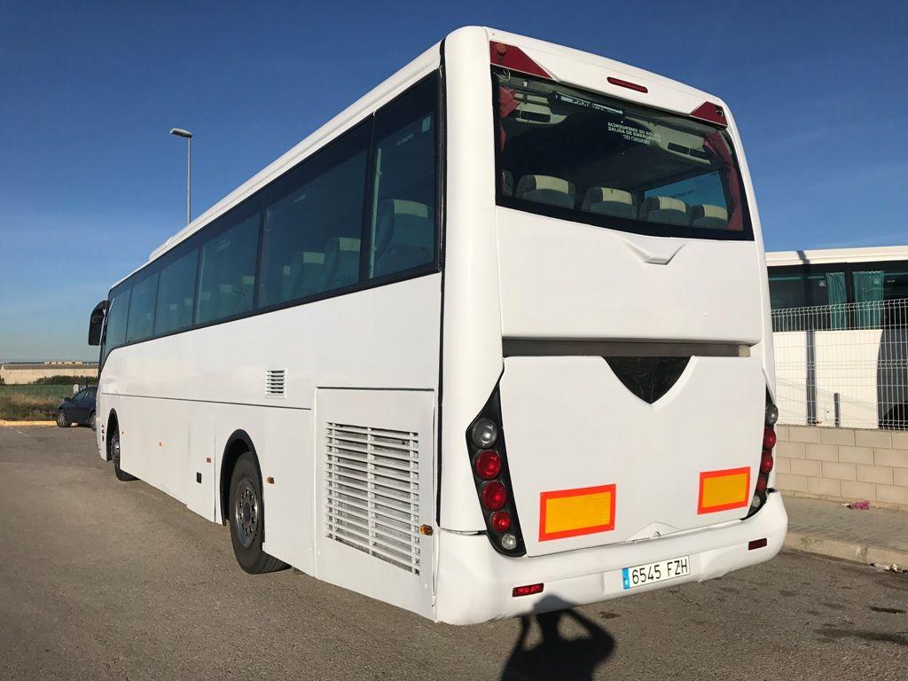 Autokary turystyczne mercedes benz oc 500 noge na sprzeda for Mercedes benz oc