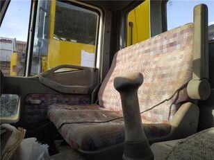 ciężarówka burtowa IVECO Asiento Delantero Derecho Iveco EuroCargo FG     (Typ 100 E 15) na części