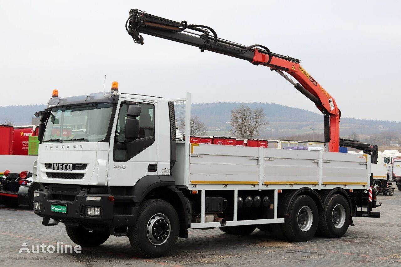 ciężarówka burtowa IVECO TRAKKER 360