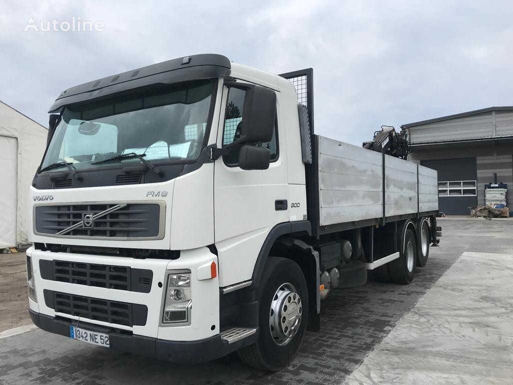 ciężarówka burtowa VOLVO fm 12 300 KM 6x2 burty + dzwig Jonsered 1090