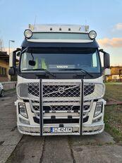 ciężarówka chłodnia VOLVO FM 330