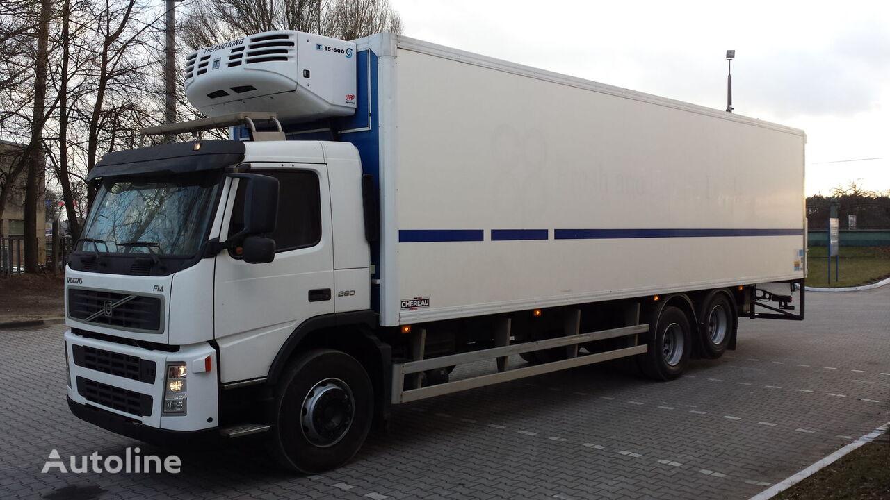 ciężarówka chłodnia VOLVO FM Chłodnia 24EP + winda 647917km !!! Posiadamy 4szt!!!