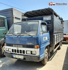 ciężarówka do przewozu bydła BEDFORD NKR 575/60