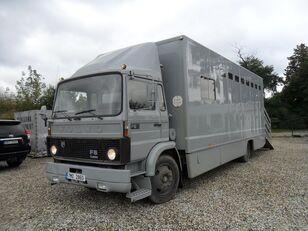 ciężarówka do przewozu bydła VOLVO F612 pro přepravu koní