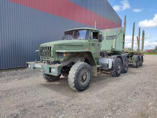 ciężarówka do przewozu drewna URAL
