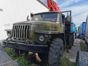 ciężarówka do przewozu drewna URAL HYAB