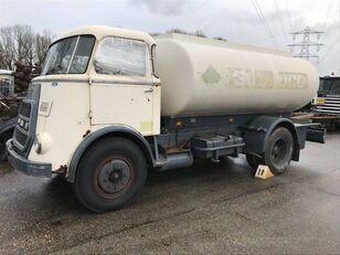ciężarówka do przewozu paliw DAF 1600
