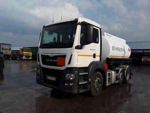 ciężarówka do przewozu paliw MAN TGS 24.440