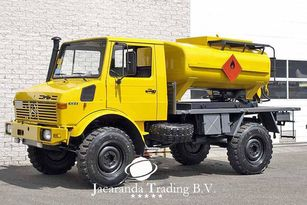 ciężarówka do przewozu paliw MERCEDES-BENZ UNIMOG 1300