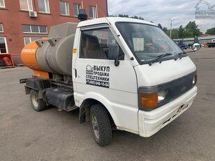 ciężarówka do przewozu paliw NISSAN vanette