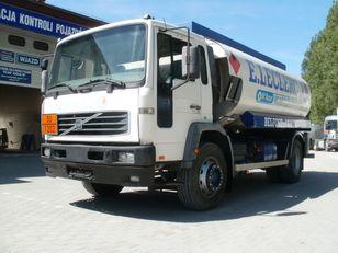 ciężarówka do przewozu paliw VOLVO FL19 M25