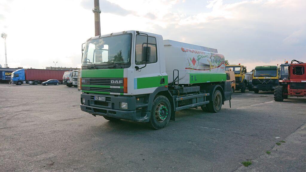 ciężarówka do przewozu paliw DAF 85