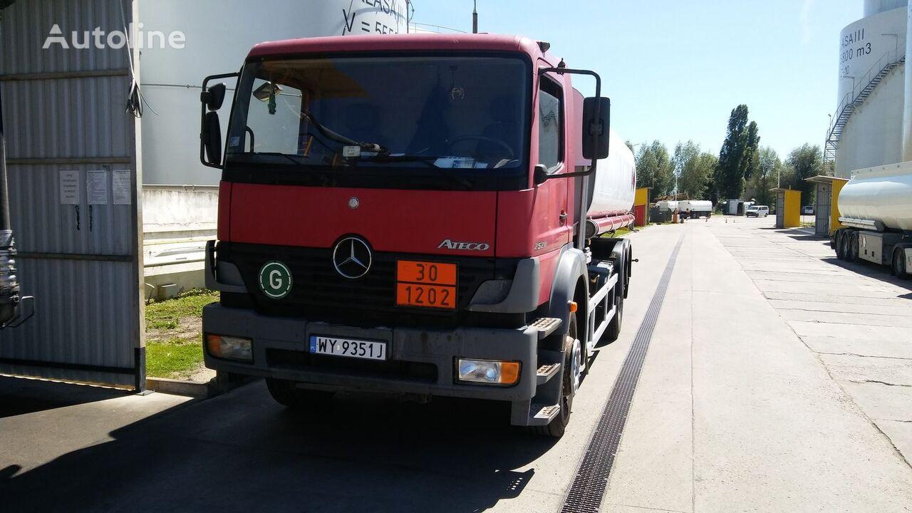 ciężarówka do przewozu paliw MERCEDES-BENZ 2528L ATEGO