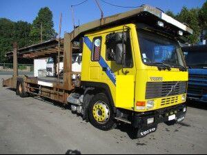 ciężarówka do przewozu samochodów VOLVO FL10