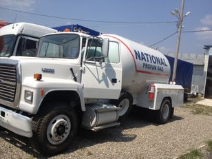 ciężarówka do transportu gazu FORD l8000