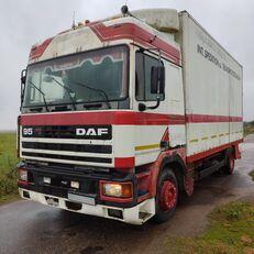ciężarówka furgon DAF 95.400