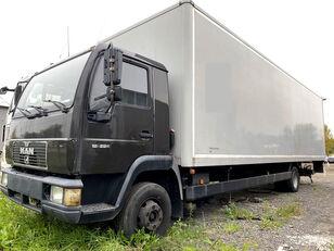ciężarówka furgon MAN 12.224 Koffer 9 m, LBW, full steel