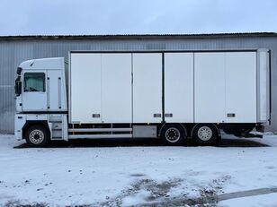 ciężarówka furgon RENAULT MAGNUM 520.26