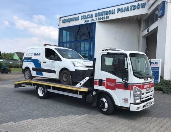 ciężarówka furgon ISUZU L35 Adaptor Euro 5 EEV