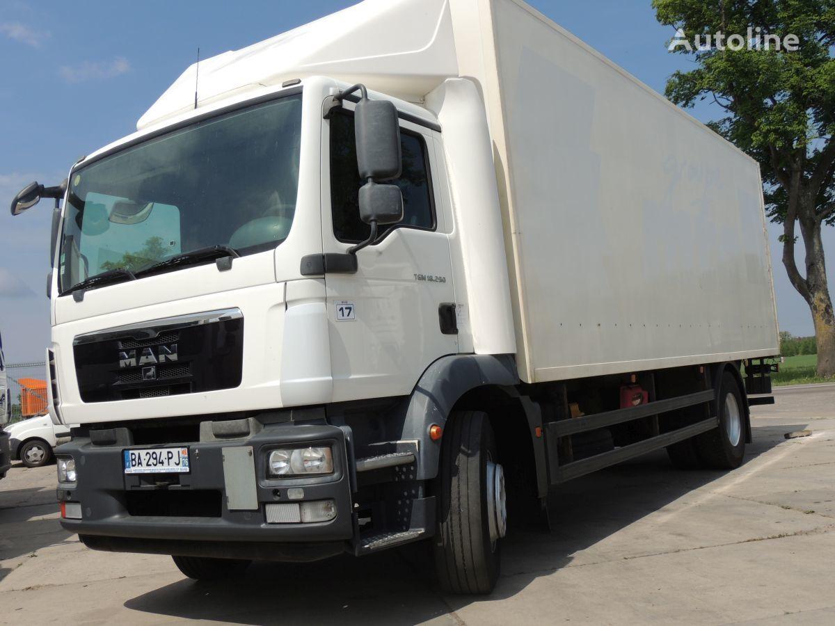 ciężarówka furgon MAN TGM 18.290
