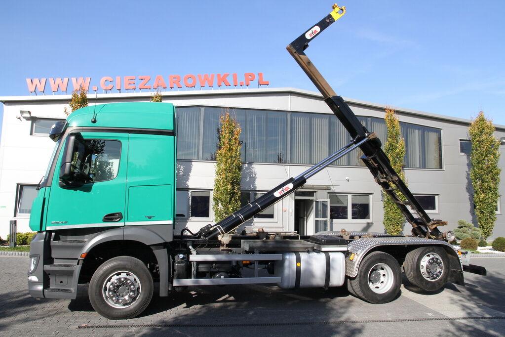 ciężarówka hakowiec MERCEDES-BENZ 6×2 AROCS 2543 E6 HOOKLIFT HYVA LIFT 20 6CS NEW ENGINE