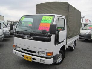 ciężarówka plandeka NISSAN Atlas
