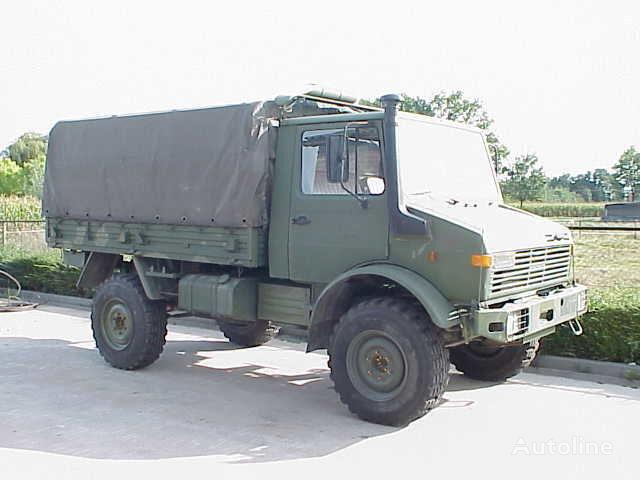 ciężarówka plandeka UNIMOG 435