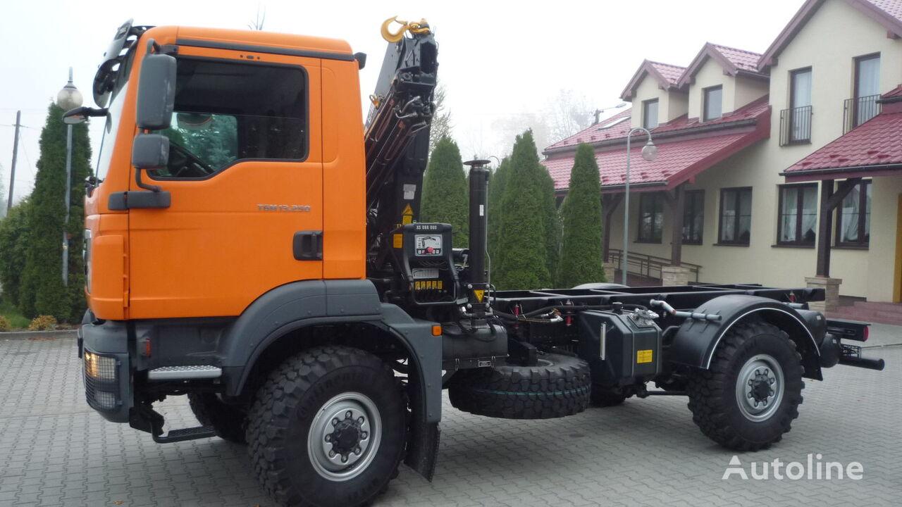 ciężarówka platforma MAN TGM 13.250 4x4 BL KRAN HIAB UNUSED