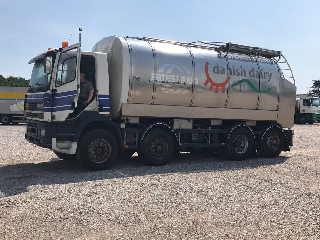 mlekowóz DAF CF 340