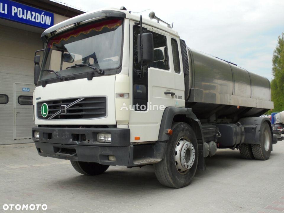 mlekowóz VOLVO FL220