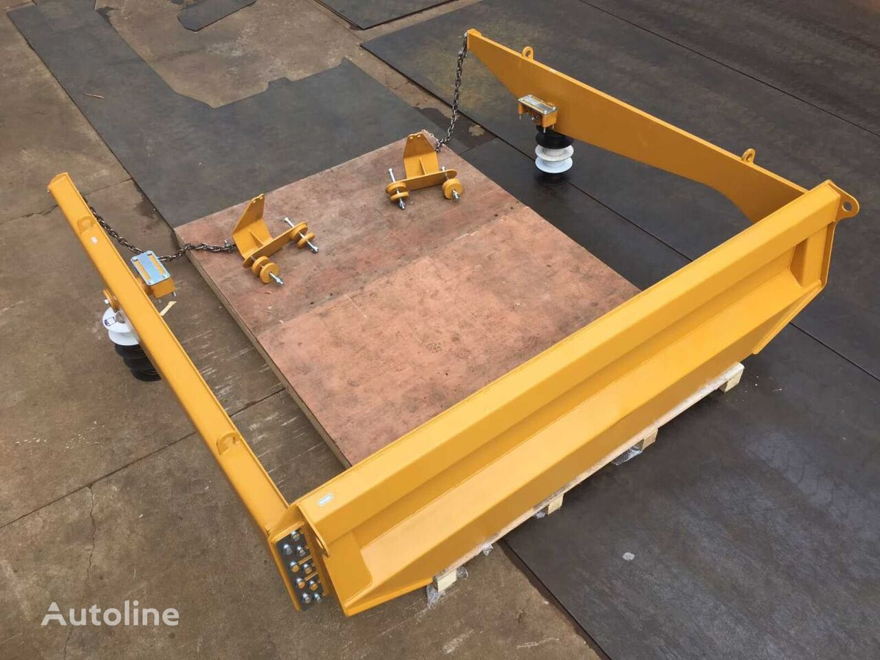 nowe oblicowanie TAILGATE KIT do dostawczego varie 730 AGF797-UP