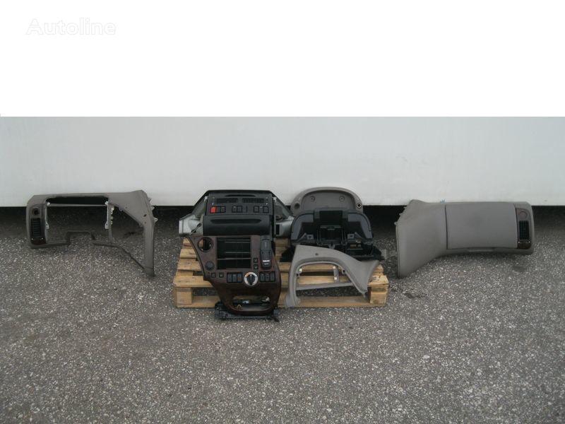 oblicowanie DAF WYPOSAŻENIE WNĘTRZA KABINY SSC do ciągnika siodłowego DAF XF 105