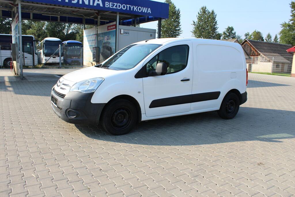mały samochód dostawczy CITROEN Berlingo