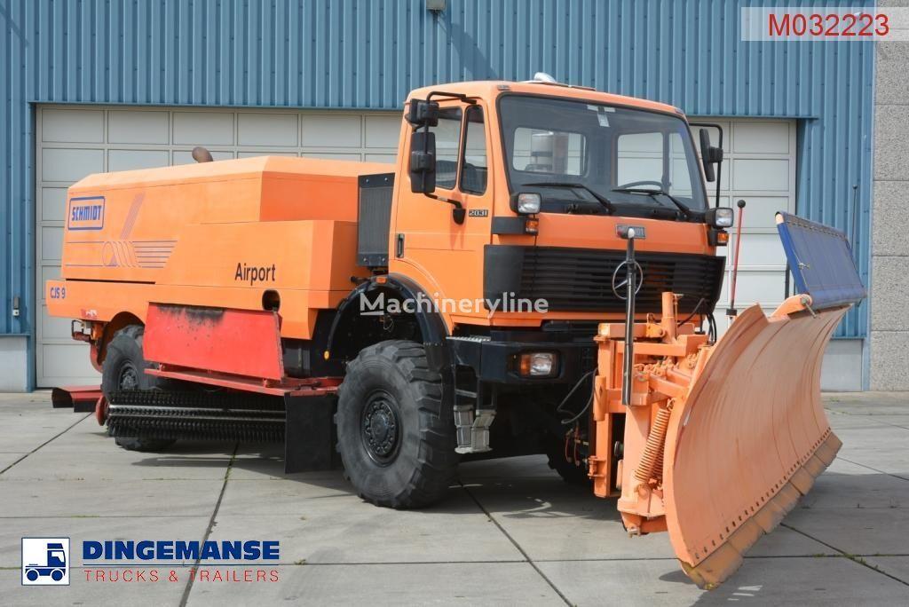 oczyszczarka lotniskowa MERCEDES-BENZ SK 2031 4x4x4 Schmidt CJS9 airport sweeper snow plough
