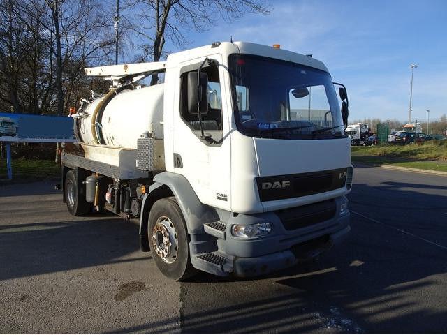 pojazd do czyszczenia kanalizacji DAF 55.220 LF