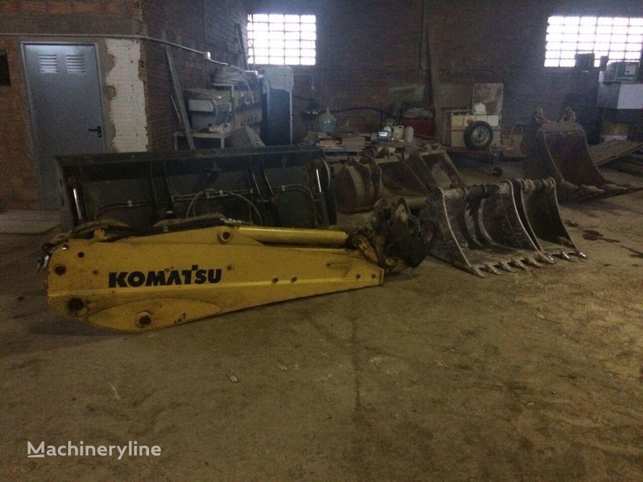 uszkodzona łyżka do koparki KOMATSU WB93