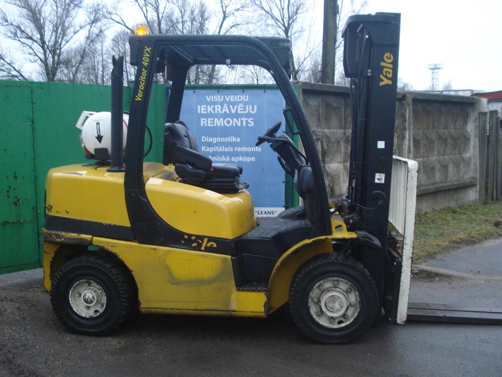 Ogromny Wózki widłowe YALE GLP40VX5 na sprzedaż, widlak z Łotwy, kupić EC36